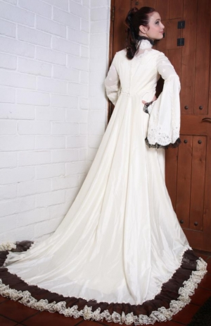 Leeanna vamp wedding dresses